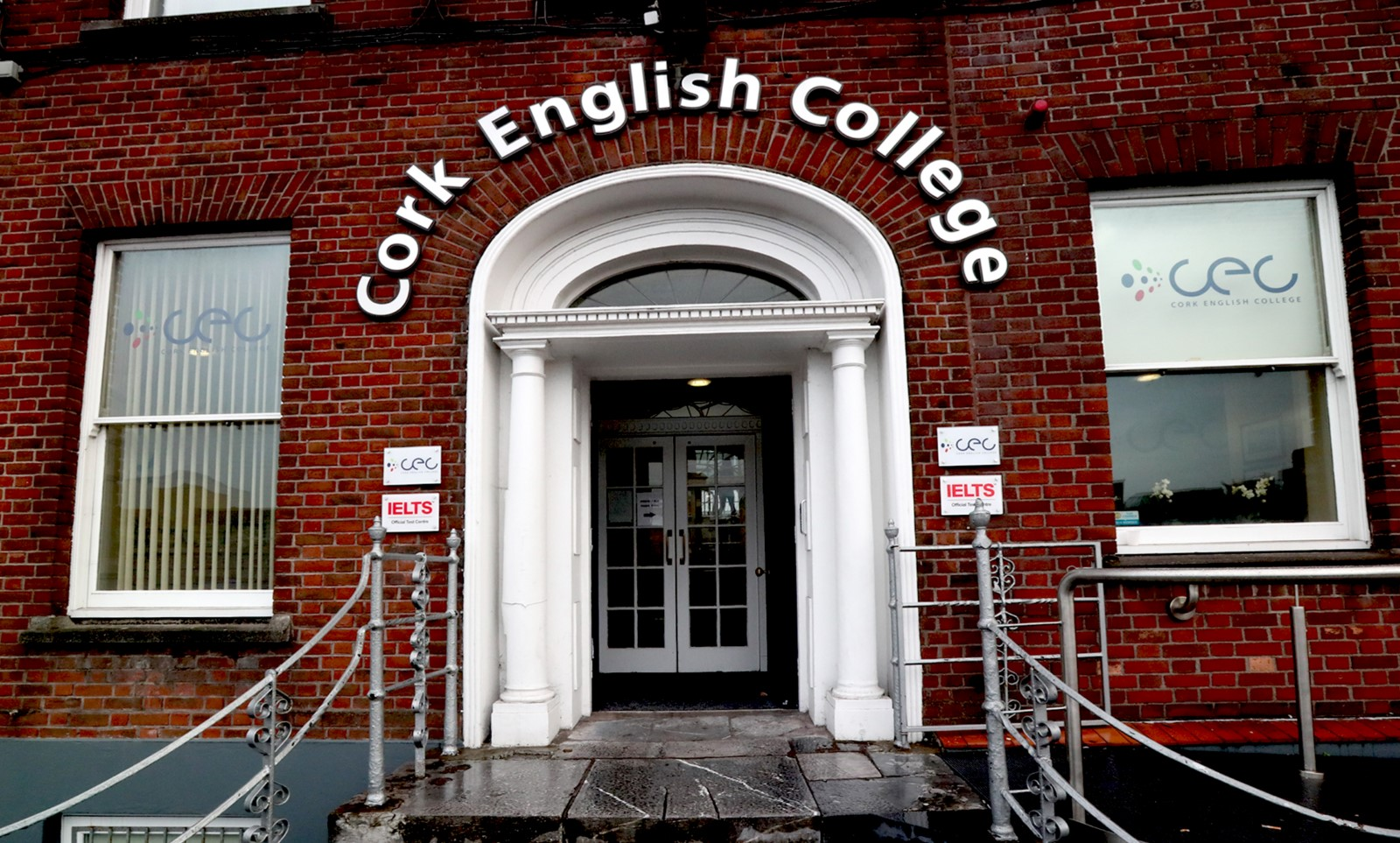 Entrance of Cork English College, language school in Cork